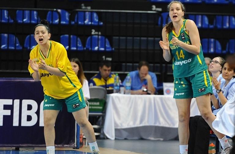 Pirini, Dennis move into quarter finals